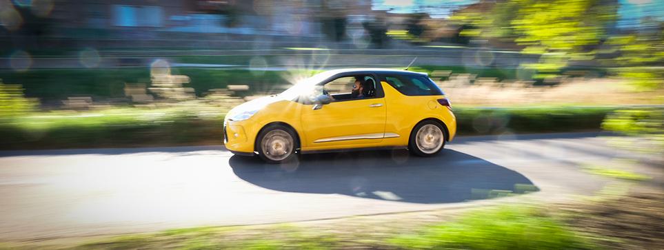 coche en movimiento